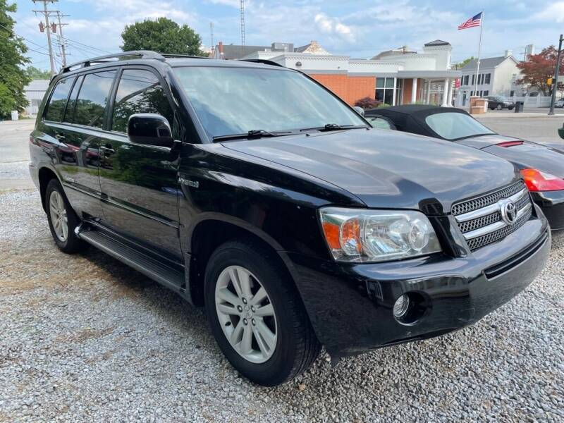 2007 Toyota Highlander Hybrid for sale at Claborn Motors, INC in Cambridge City IN