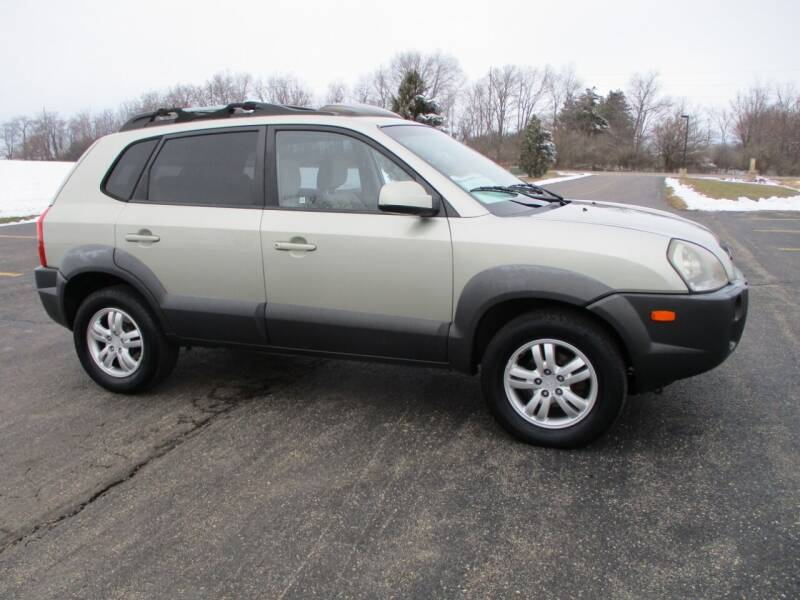2008 Hyundai Tucson for sale at Crossroads Used Cars Inc. in Tremont IL