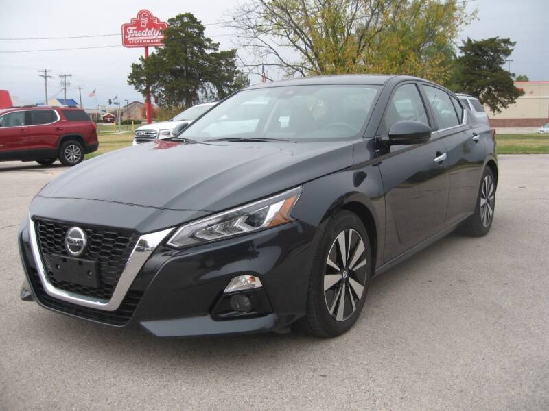 2019 Nissan Altima for sale at Jim Tawney Auto Center Inc in Ottawa KS