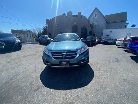 2015 Honda Crosstour for sale at H & H Motors 2 LLC in Baltimore MD