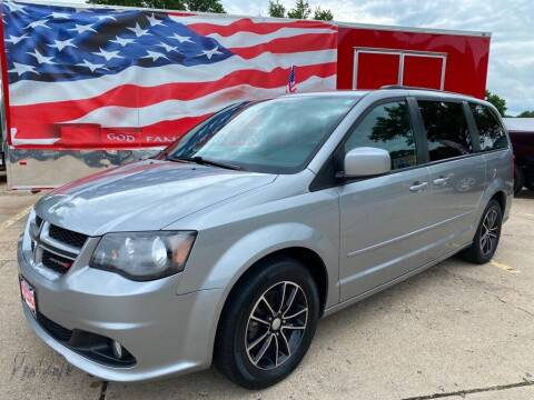 2017 Dodge Grand Caravan for sale at AutoSmart in Oswego IL