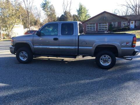 2007 GMC Sierra 2500HD Classic for sale at Lou Rivers Used Cars in Palmer MA