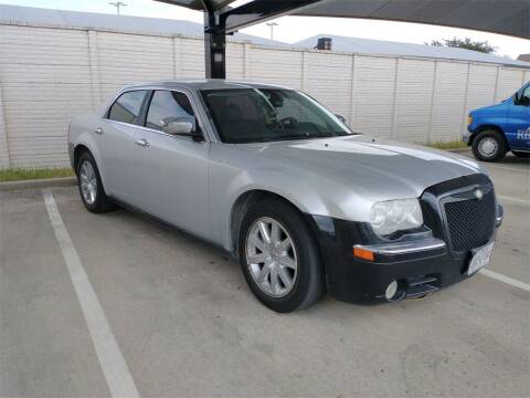 2009 Chrysler 300 for sale at Excellence Auto Direct in Euless TX