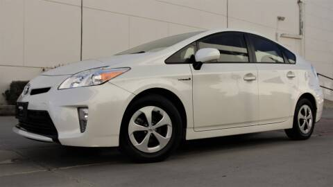 2015 Toyota Prius for sale at New City Auto - Retail Inventory in South El Monte CA