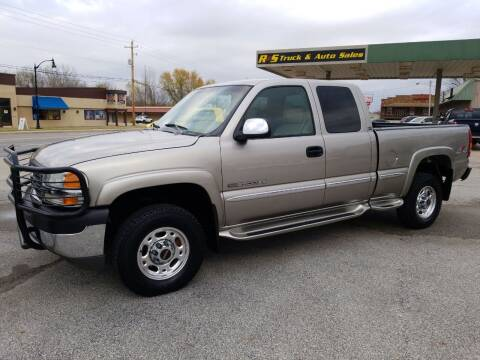 2001 GMC Sierra 2500HD for sale at R & S TRUCK & AUTO SALES in Vinita OK