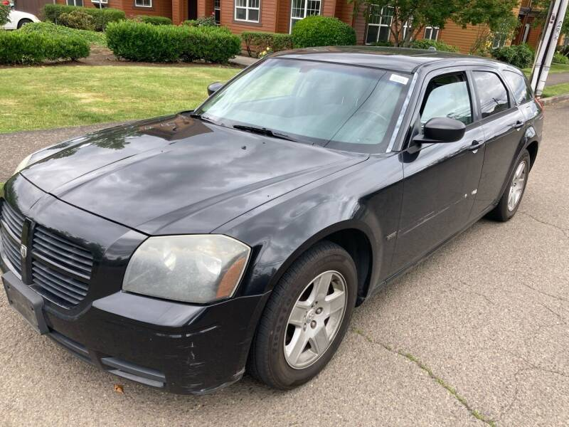 2005 Dodge Magnum for sale at Blue Line Auto Group in Portland OR