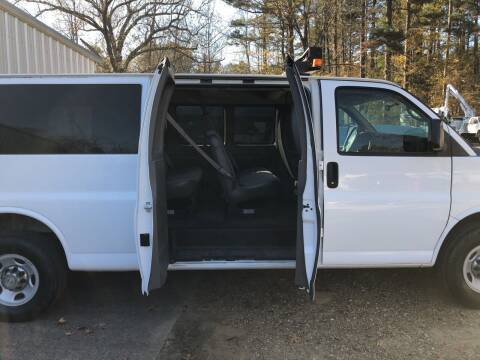 2013 Chevrolet Express Passenger for sale at M & W MOTOR COMPANY in Hope AR