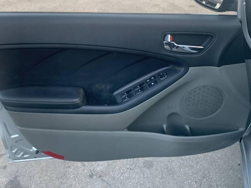 2015 Kia Forte LX 4dr Sedan 6A - Dallas TX