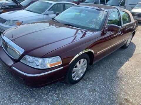 2003 Lincoln Town Car for sale at Philadelphia Public Auto Auction in Philadelphia PA
