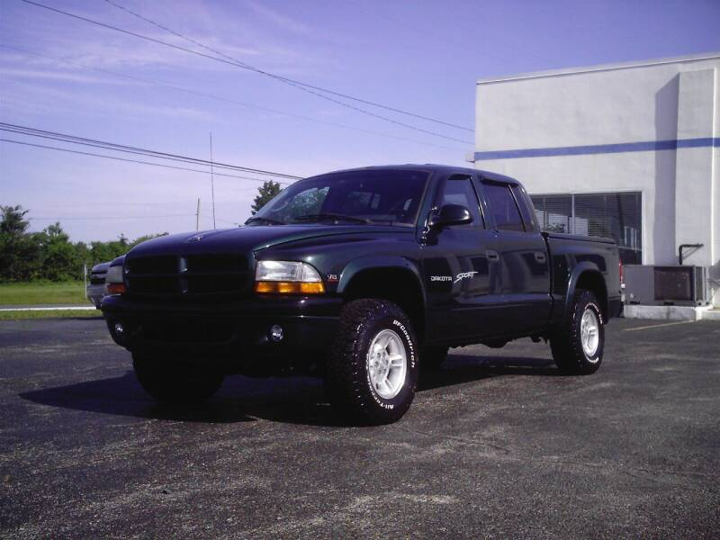 2000 Dodge Dakota for sale at STAPLEFORD'S SALES & SERVICE in Saint Georges DE