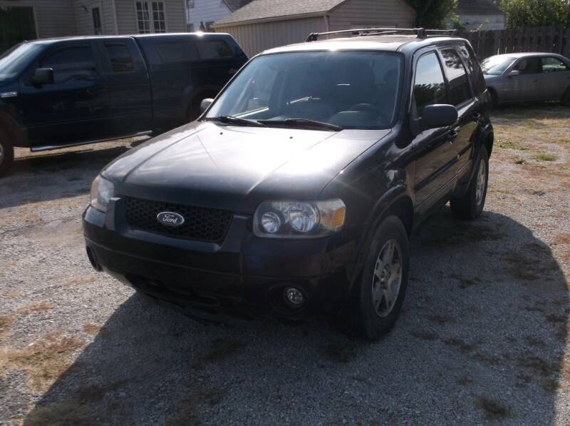 2005 Ford Escape for sale at Straight Line Motors LLC in Fort Wayne IN
