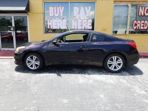 2010 Nissan Altima for sale at BSS AUTO SALES INC in Eustis FL