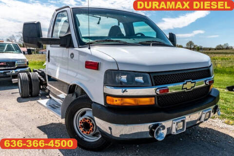 2013 Chevrolet Express Cutaway for sale at Fruendly Auto Source in Moscow Mills MO