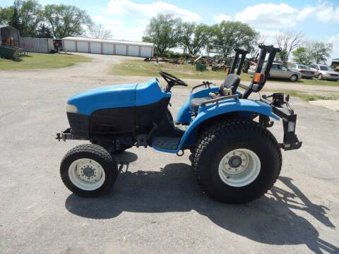 2000 New Holland TC29D for sale at Wheels Unlimited in Smith Center KS