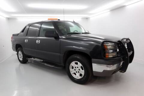 2004 Chevrolet Avalanche for sale at Alta Auto Group in Concord NC