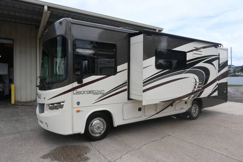 2017 Forest River Georgetown 270S for sale at Thurston Auto and RV Sales in Clermont FL
