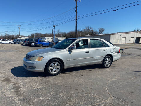 2002 Toyota Avalon for sale at Dave-O Motor Co. in Haltom City TX
