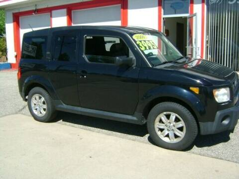 2006 Honda Element for sale at Cedar Auto Sales in Lansing MI