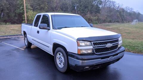 2006 Chevrolet Silverado 1500 for sale at Old Monroe Auto in Old Monroe MO