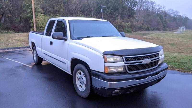 2006 Chevrolet Silverado 1500 for sale at Old Monroe Auto in Old Monroe MO
