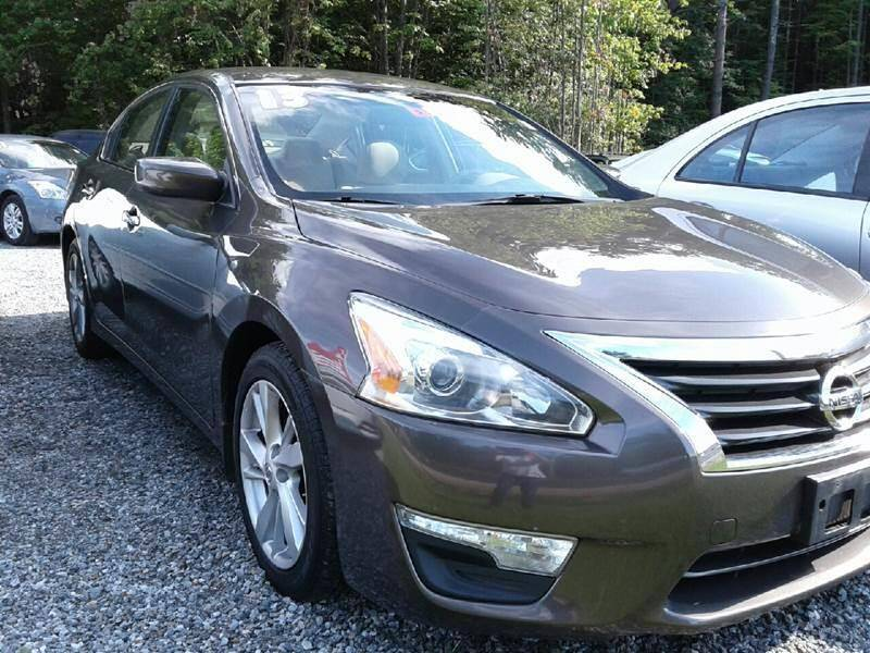 2013 Nissan Altima for sale at Quest Auto Outlet in Chichester NH