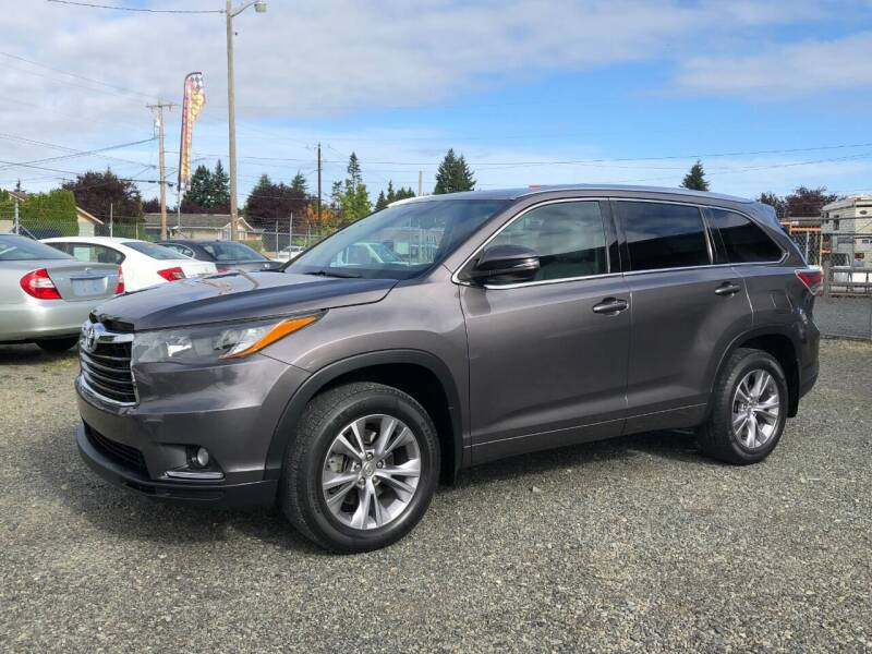 2015 Toyota Highlander for sale at A & V AUTO SALES LLC in Marysville WA