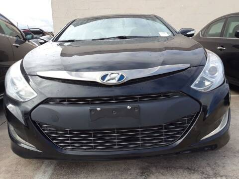 2014 Hyundai Sonata Hybrid for sale at Auto Haus Imports in Grand Prairie TX