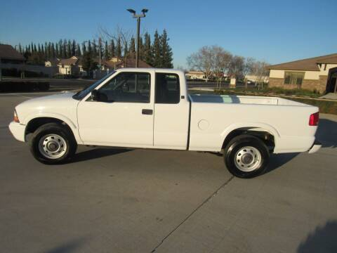 2003 GMC Sonoma for sale at 2Win Auto Sales Inc in Oakdale CA