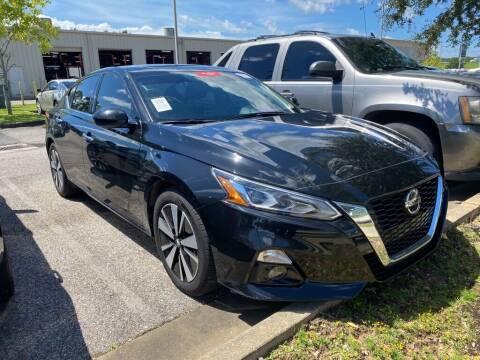 2019 Nissan Altima for sale at JOE BULLARD USED CARS in Mobile AL