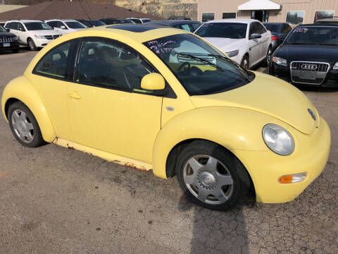 1999 Volkswagen New Beetle for sale at Gilly's Auto Sales in Rochester MN