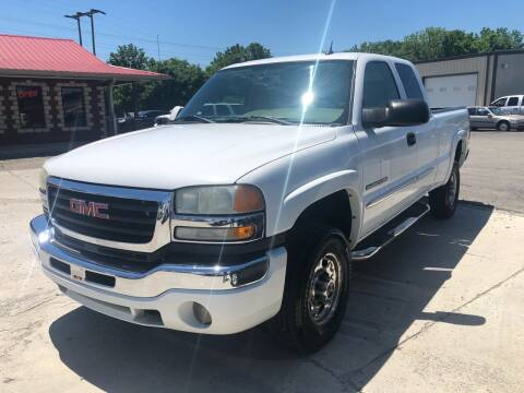 2004 GMC Sierra 2500HD for sale at COUNTRYSIDE AUTO SALES in Russellville KY