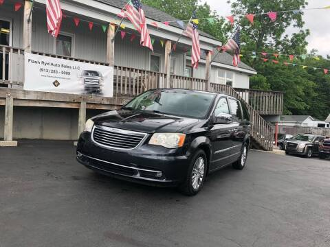 2013 Chrysler Town and Country for sale at Flash Ryd Auto Sales in Kansas City KS