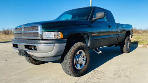2002 Dodge Ram Pickup 2500 for sale at The Truck Shop in Okemah OK