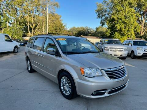 2013 Chrysler Town and Country for sale at Zacatecas Motors Corp in Des Moines IA