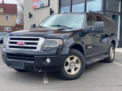 2007 Ford Expedition for sale at MAGIC AUTO SALES in Little Ferry NJ
