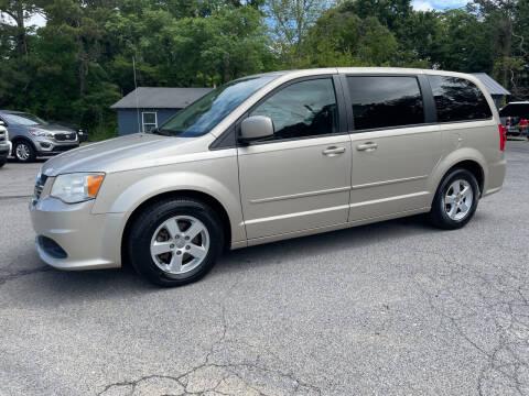 2013 Dodge Grand Caravan for sale at Adairsville Auto Mart in Plainville GA