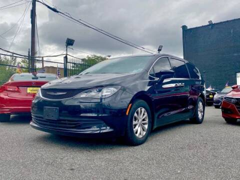 2017 Chrysler Pacifica for sale at Buy Here Pay Here Auto Sales in Newark NJ