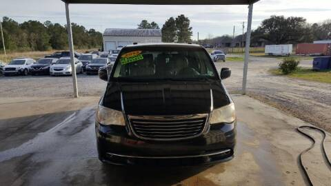 2013 Chrysler Town and Country for sale at Auto Guarantee, LLC in Eunice LA