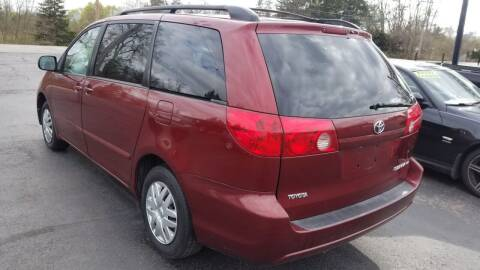 2006 Toyota Sienna for sale at Auto Link Inc in Spencerport NY