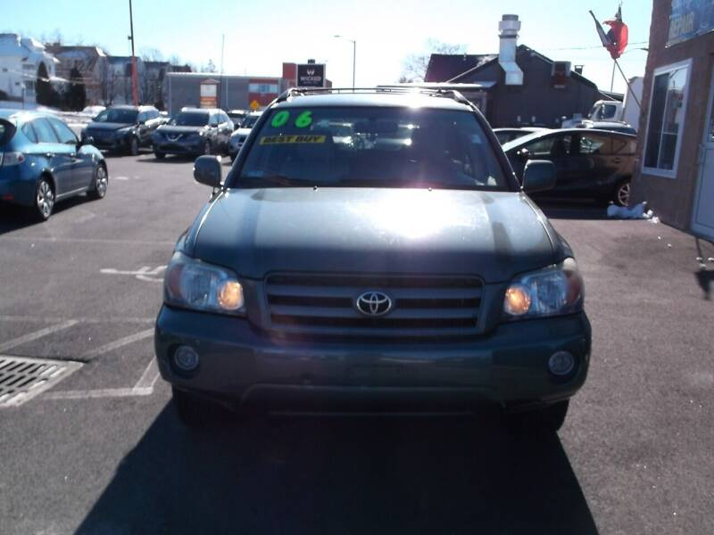 2006 Toyota Highlander for sale at sharp auto center in Worcester MA