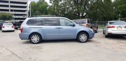 2006 Kia Sedona for sale at On The Road Again Auto Sales in Doraville GA