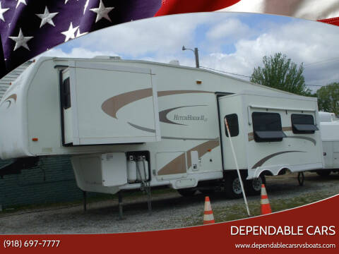 2005 HITCHIKER II LS 5TH WHEEL for sale at DEPENDABLE CARS in Mannford OK