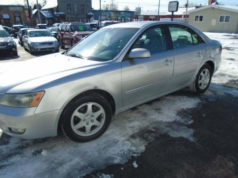 2007 Hyundai Sonata for sale at NORTHLAND AUTO SALES in Dale WI