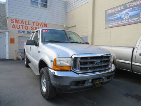 2001 Ford F-250 Super Duty for sale at Small Town Auto Sales in Hazleton PA