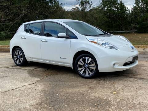 2013 Nissan LEAF for sale at Selective Cars & Trucks in Woodstock GA