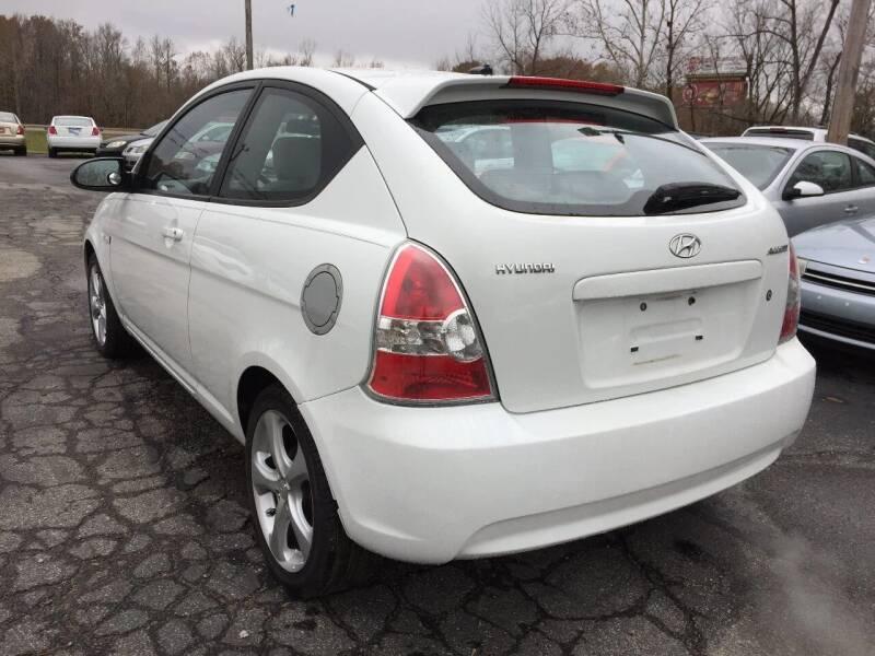 2009 Hyundai Accent SE 2dr Hatchback 5M - Murphysboro IL