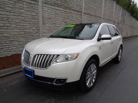 2011 Lincoln MKX for sale at Matthews Motors LLC in Algona WA
