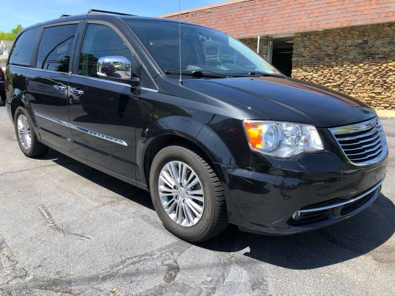 2013 Chrysler Town and Country for sale at Approved Motors in Dillonvale OH
