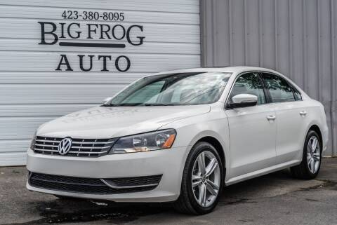 2014 Volkswagen Passat for sale at Big Frog Auto in Cleveland TN