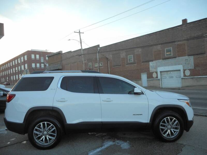 2019 GMC Acadia for sale at River City Auto Center LLC in Chester IL